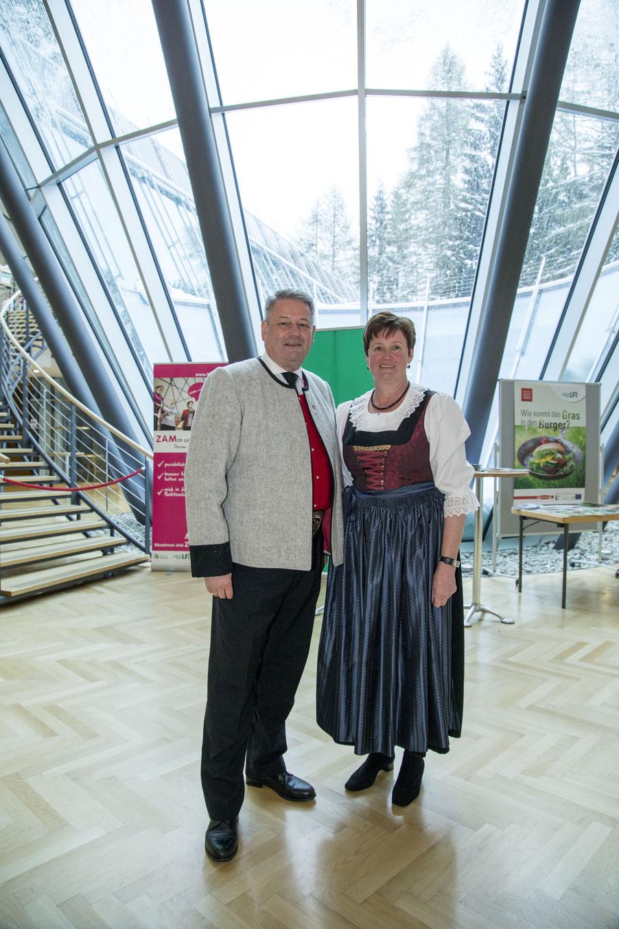 Bild 49 | Landwirtschaftsminister Andrä Rupprechter und Tiroler Landesbäuerin Resi Schiffmann
