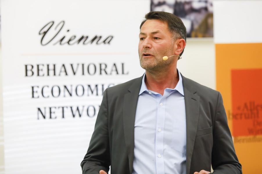 Bild 70   Vienna Behavioral Economics Network