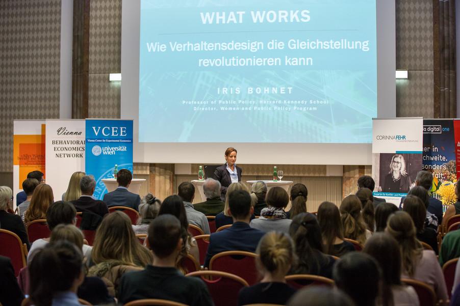 Bild 18 | VBEN | Iris Bohnet: What Works. Wie Verhaltensdesign die Gleichstellung revolutionieren kann.
