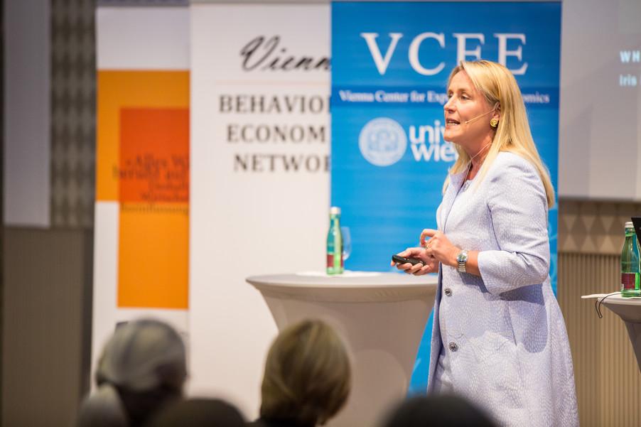 Bild 54 | VBEN | Iris Bohnet: What Works. Wie Verhaltensdesign die Gleichstellung revolutionieren kann.