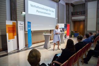 Bild 64 | VBEN | Iris Bohnet: What Works. Wie Verhaltensdesign die Gleichstellung revolutionieren kann.