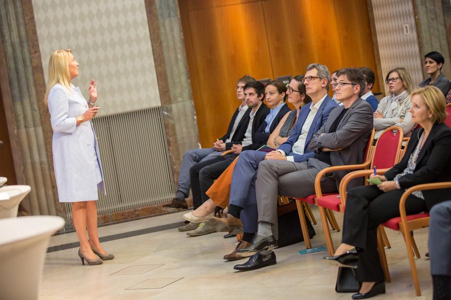 Bild 65 | VBEN | Iris Bohnet: What Works. Wie Verhaltensdesign die Gleichstellung revolutionieren kann.