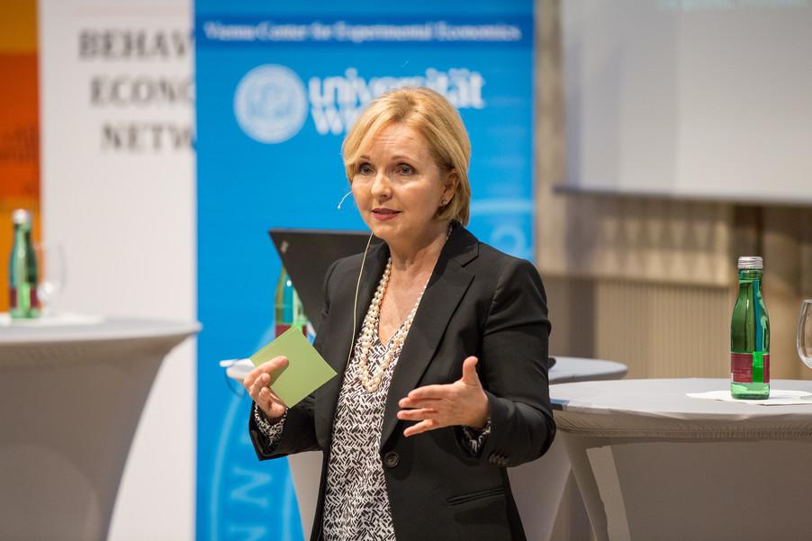 Bild 89 | VBEN | Iris Bohnet: What Works. Wie Verhaltensdesign die Gleichstellung revolutionieren kann.