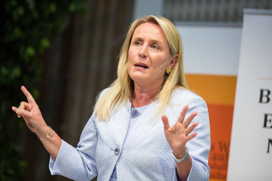Bild 100 | VBEN | Iris Bohnet: What Works. Wie Verhaltensdesign die Gleichstellung revolutionieren kann.