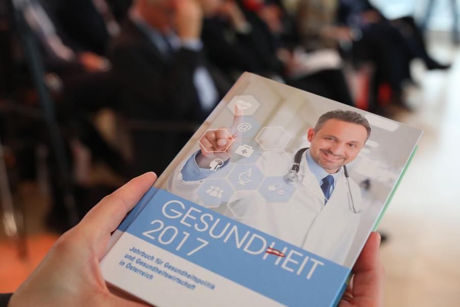 Bild 83   Präsentation des 9. Jahrbuchs für Gesundheitspolitik und Gesundheitswirtschaft