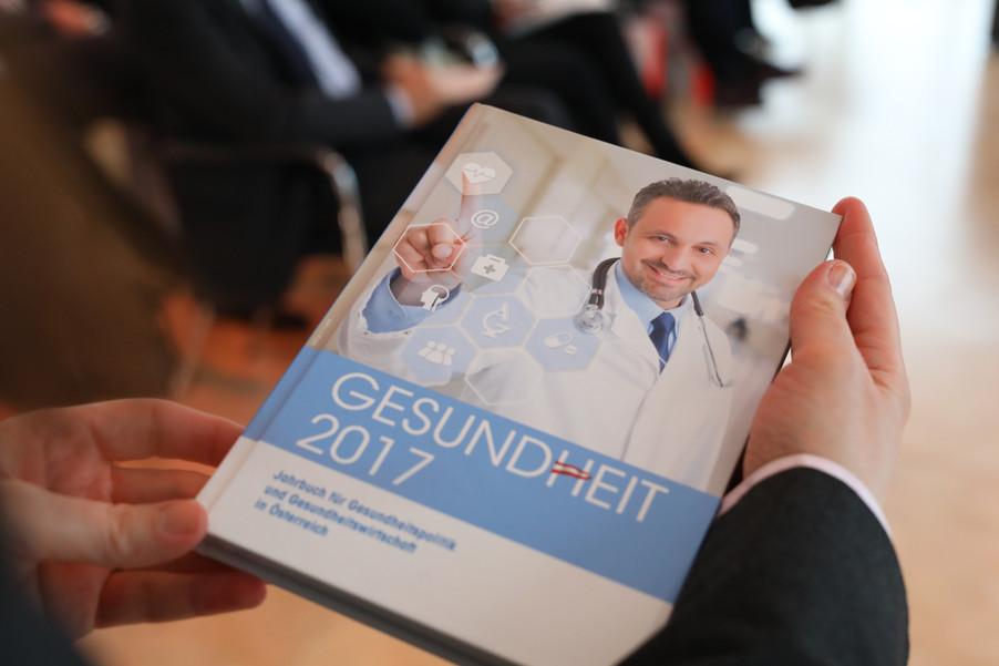 Bild 84   Präsentation des 9. Jahrbuchs für Gesundheitspolitik und Gesundheitswirtschaft