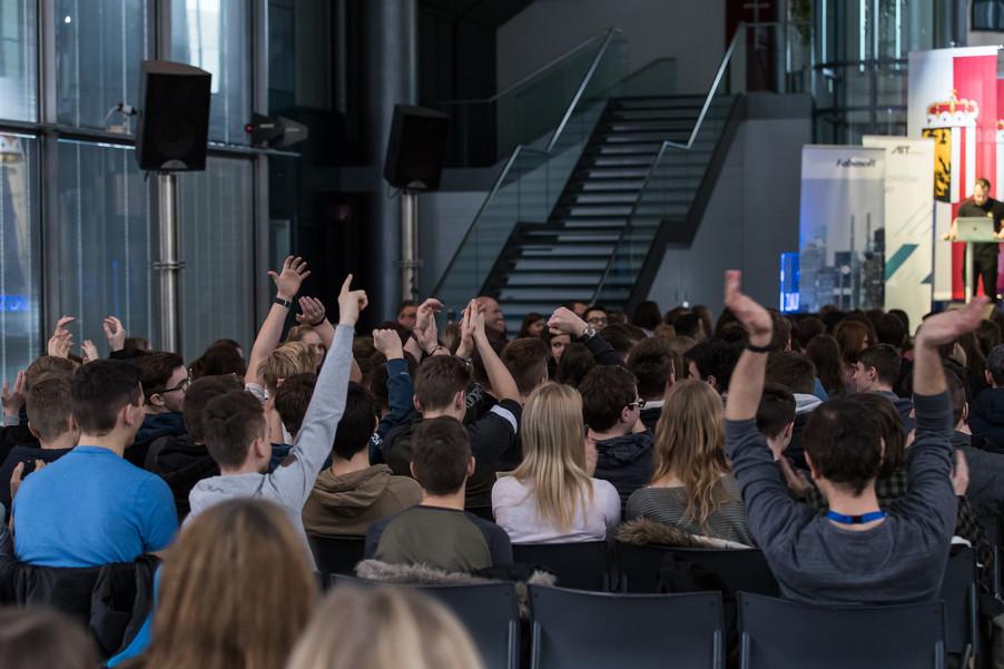 Bild 2 | Ich bin online! SchülerInnenkonferenz