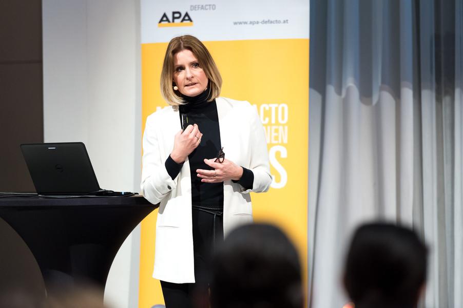 Bild 42   APA-DeFacto-BusinessBreakfast: Catch the wave – Botschaften platzieren mit Agenda-Surfing