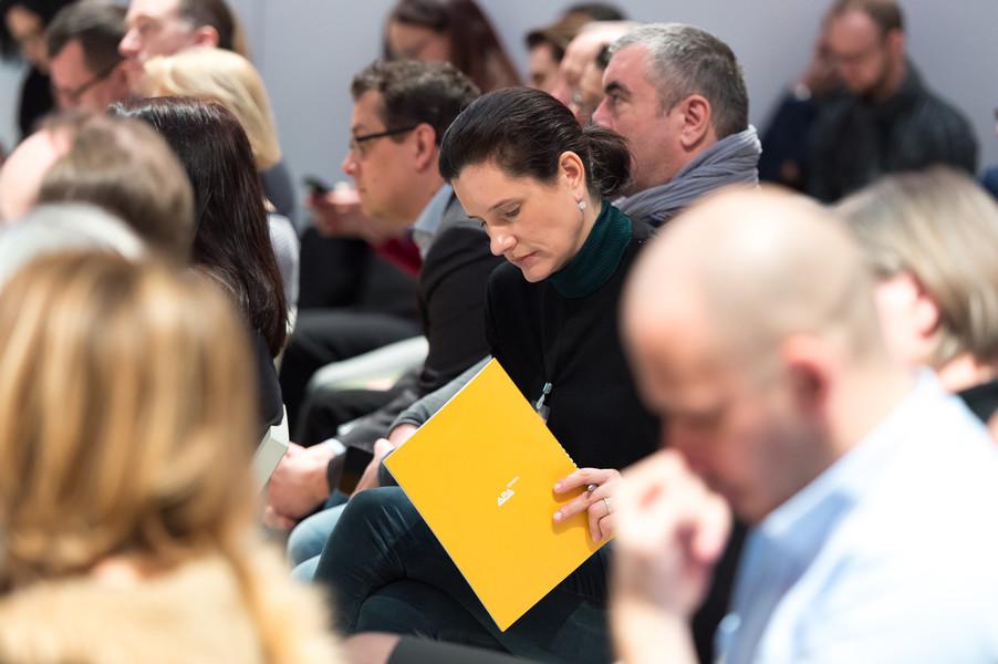 Bild 71   APA-DeFacto-BusinessBreakfast: Catch the wave – Botschaften platzieren mit Agenda-Surfing