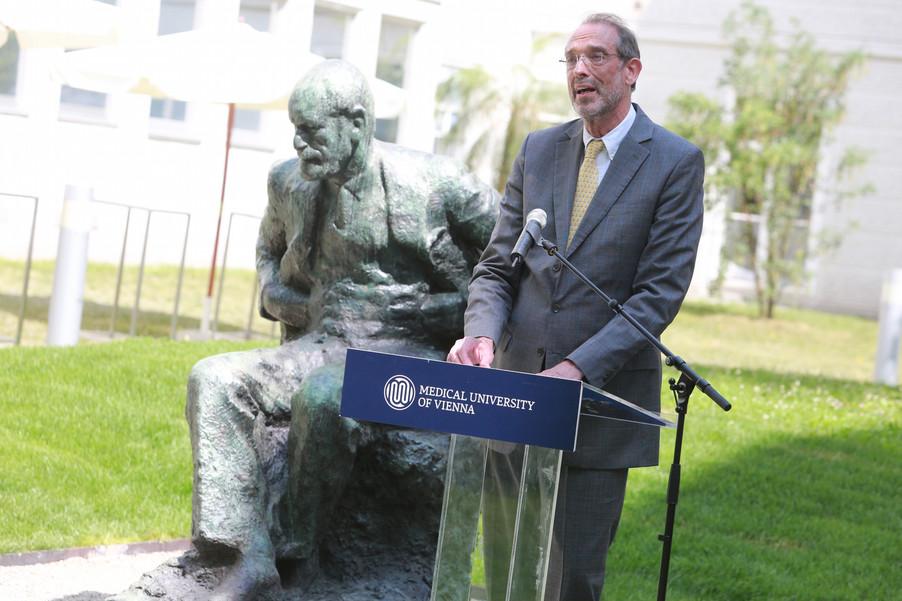 Bild 36 | Im Memory of Sigmund Freud - Enthüllung des Sigmund Freud Denkmals am MedUni Campus AKH