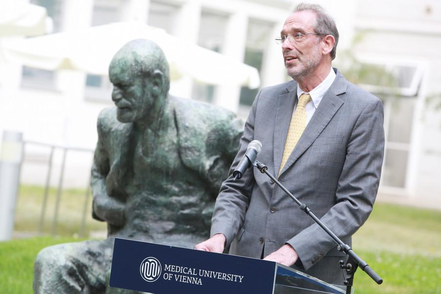 Bild 38 | Im Memory of Sigmund Freud - Enthüllung des Sigmund Freud Denkmals am MedUni Campus AKH