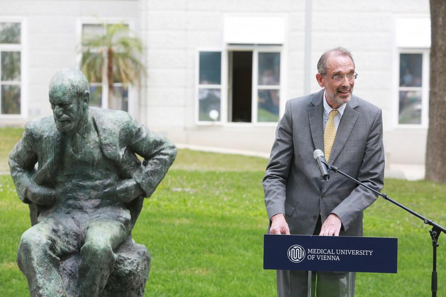 Bild 39 | Im Memory of Sigmund Freud - Enthüllung des Sigmund Freud Denkmals am MedUni Campus AKH
