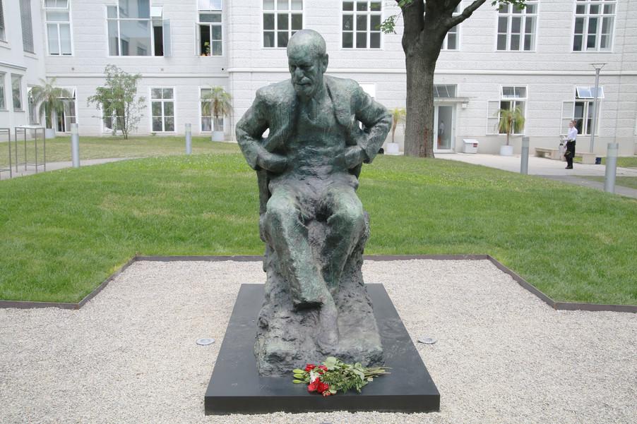 Bild 49 | Im Memory of Sigmund Freud - Enthüllung des Sigmund Freud Denkmals am MedUni Campus AKH