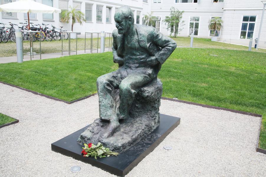 Bild 52 | Im Memory of Sigmund Freud - Enthüllung des Sigmund Freud Denkmals am MedUni Campus AKH