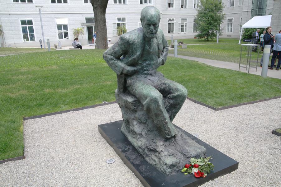 Bild 53 | Im Memory of Sigmund Freud - Enthüllung des Sigmund Freud Denkmals am MedUni Campus AKH