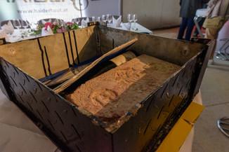Bild 12 | Grundsteinlegung und Segnung für das Pflegewohnhaus der Franziskanerinnen.An einem der ...