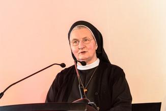 Bild 17 | Grundsteinlegung und Segnung für das Pflegewohnhaus der Franziskanerinnen.An einem der ...