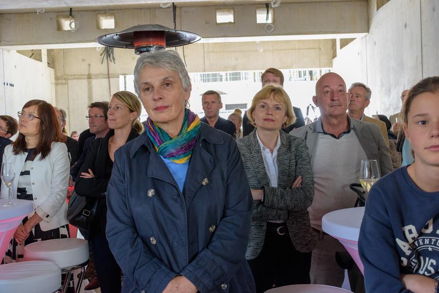 Bild 20 | Grundsteinlegung und Segnung für das Pflegewohnhaus der Franziskanerinnen.An einem der ...
