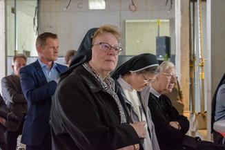 Bild 21 | Grundsteinlegung und Segnung für das Pflegewohnhaus der Franziskanerinnen.An einem der ...