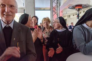 Bild 41 | Grundsteinlegung und Segnung für das Pflegewohnhaus der Franziskanerinnen.An einem der ...
