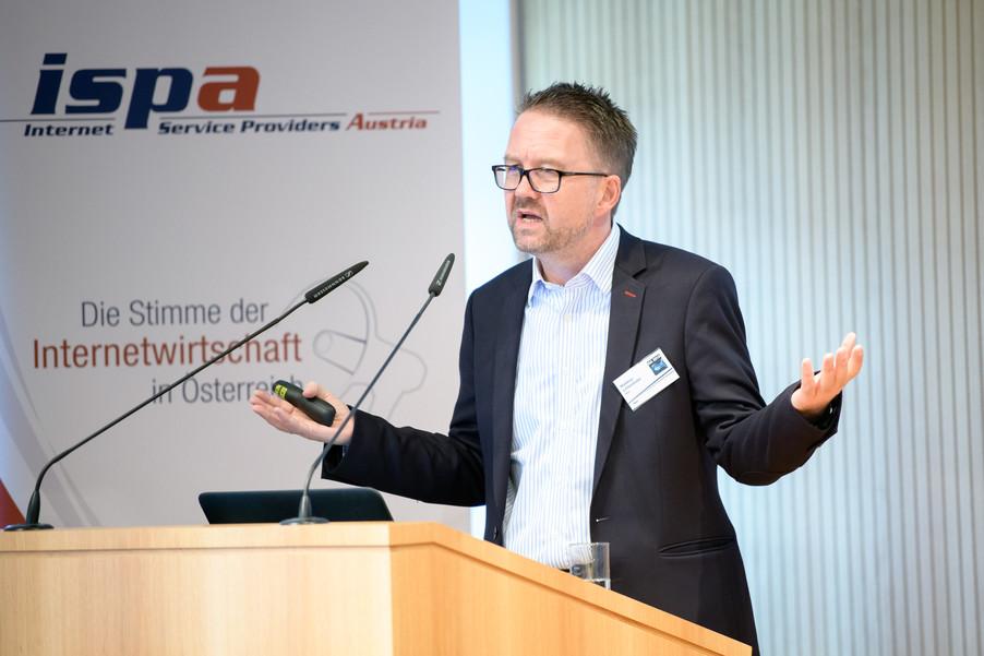 Bild 8 | Internet Summit Austria 2018: Blockchain jenseits von Bitcoin & Co