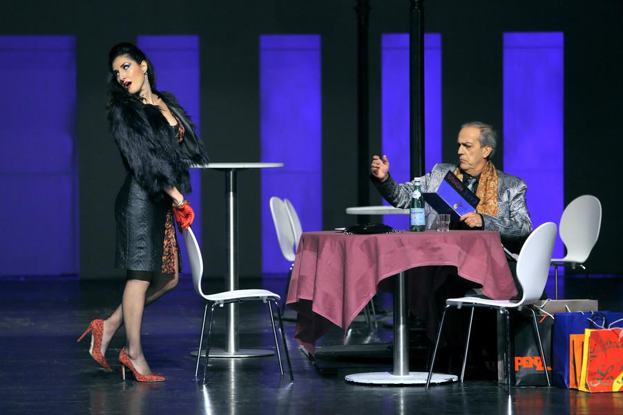 "Bild 10 | Maria Novella Malfatti in der Rolle der ""Musetta"", Francesco Facini in der Rolle des ..."