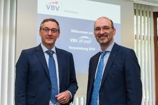 Bild 2 | v.l.n.r.Mag. Harald Amon VBV-Pensionskasse, Veranlagung und Martin Cerny VBV-Pensionskasse, ...