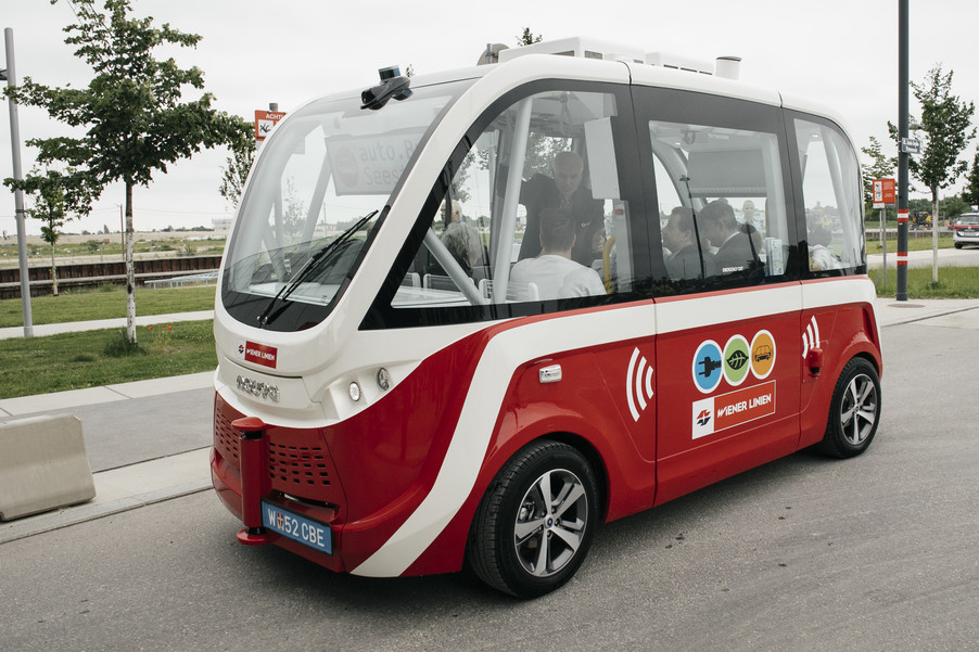 Bild 42 | Autonome E-Busse starten Fahrgasttestbetrieb