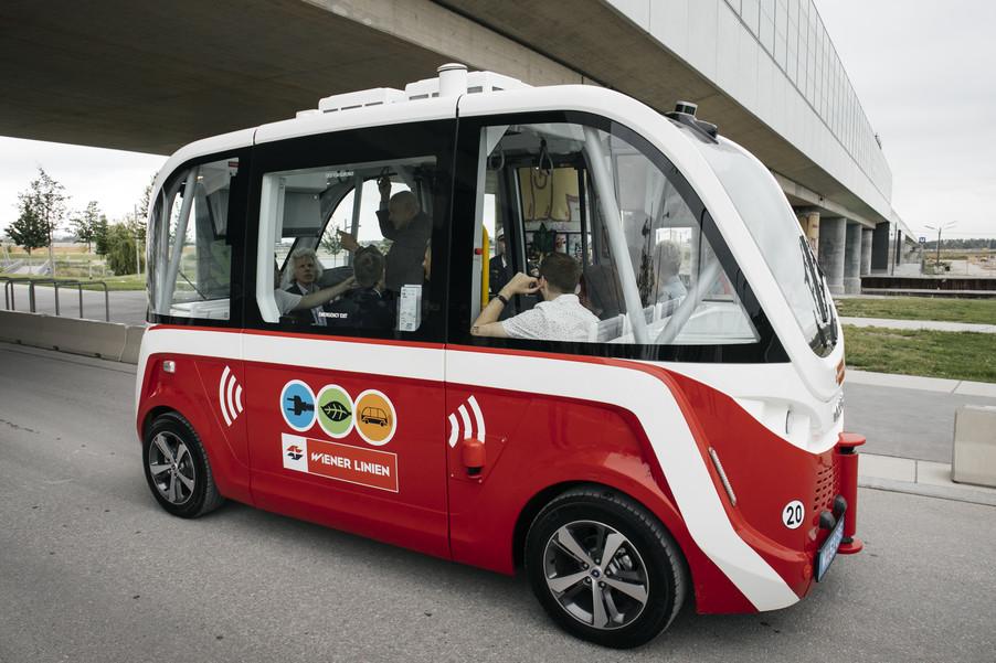 Bild 44 | Autonome E-Busse starten Fahrgasttestbetrieb