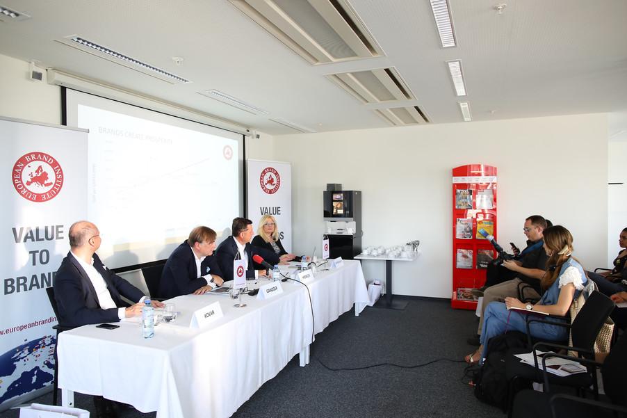 Bild 18 | Präsentation 16. Österreichische Markenwert Studie