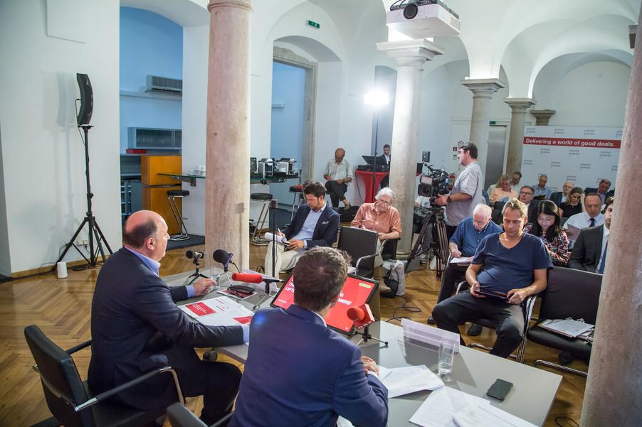 Bild 27 | Pressekonferenz PALFINGER AG
