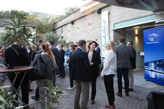 Bild 18   JournalistInnenheuriger mit Europaabgeordneten