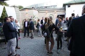 Bild 19   JournalistInnenheuriger mit Europaabgeordneten