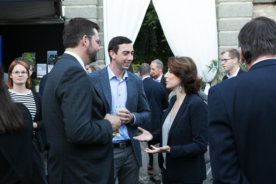 Bild 20   JournalistInnenheuriger mit Europaabgeordneten