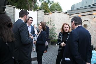 Bild 21   JournalistInnenheuriger mit Europaabgeordneten