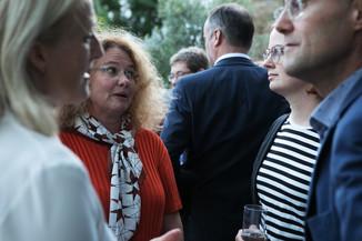 Bild 26   JournalistInnenheuriger mit Europaabgeordneten