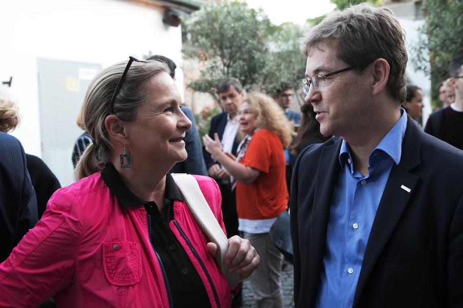 Bild 29   JournalistInnenheuriger mit Europaabgeordneten