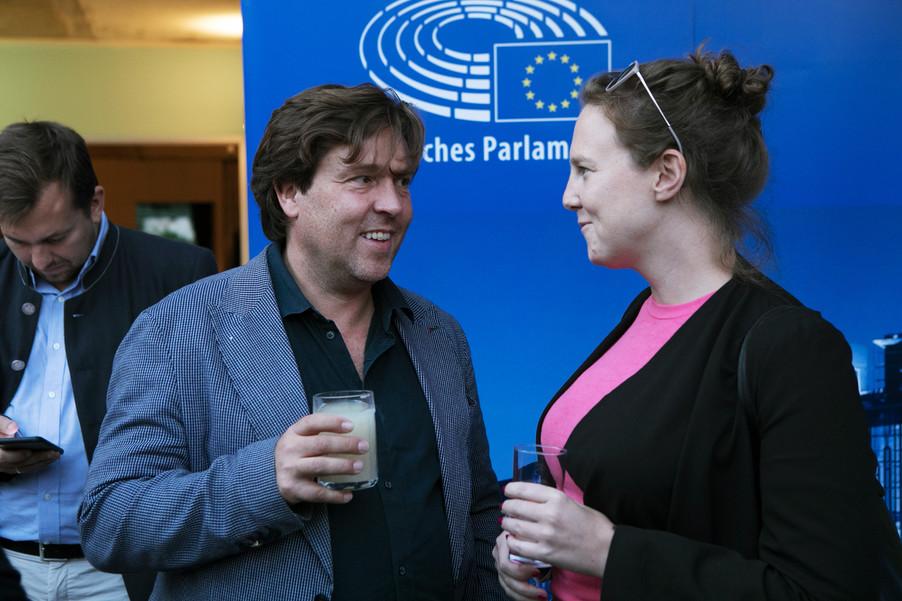 Bild 40   JournalistInnenheuriger mit Europaabgeordneten