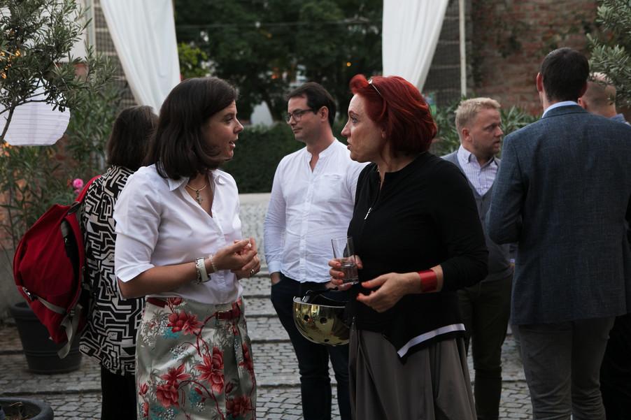 Bild 45   JournalistInnenheuriger mit Europaabgeordneten