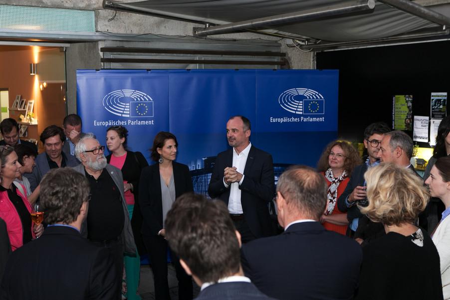 Bild 49   JournalistInnenheuriger mit Europaabgeordneten