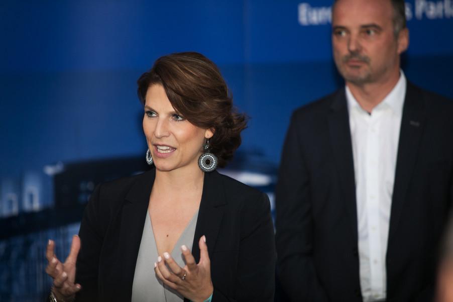 Bild 56   JournalistInnenheuriger mit Europaabgeordneten