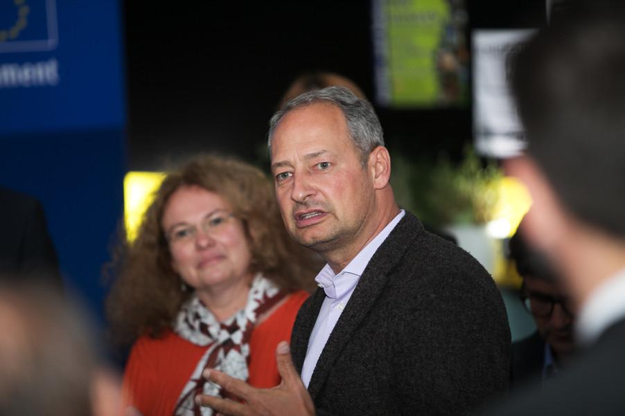 Bild 59   JournalistInnenheuriger mit Europaabgeordneten