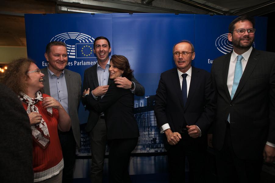 Bild 65   JournalistInnenheuriger mit Europaabgeordneten