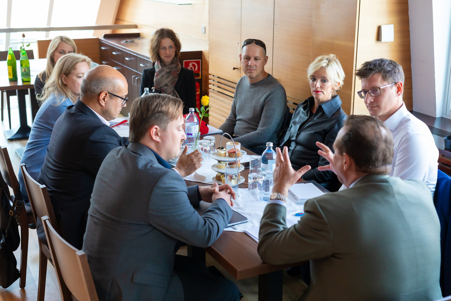 Bild 100 | DBT - Digital Business Trends: Social Media - Wie politische Kommunikation im digitalen Zeitalter ...
