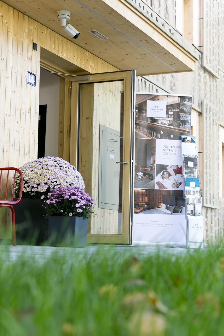 Bild 110   Löwen Hotel Montafon eröffnet neues Teamhaus