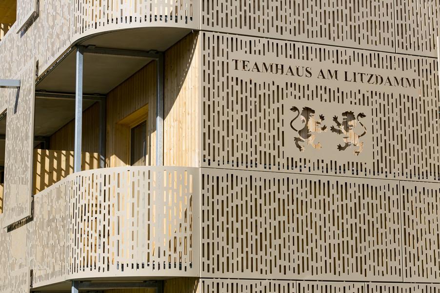 Bild 111   Löwen Hotel Montafon eröffnet neues Teamhaus