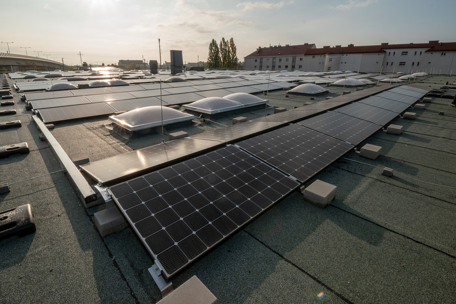 Bild 5 | Steigender Stromverbrauch: Drei setzt auf Solarenergie
