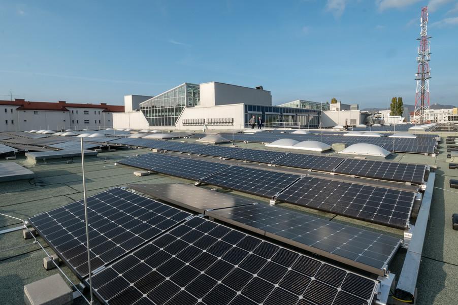 Bild 7 | Steigender Stromverbrauch: Drei setzt auf Solarenergie