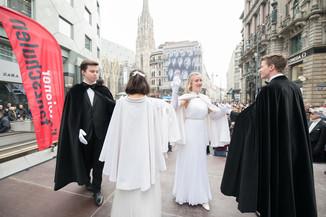 Bild 2   Faschingsbeginn mit den Wiener Tanzschulen: Stephansplatz wird zum größten Open-Air-Tanzsaal ...