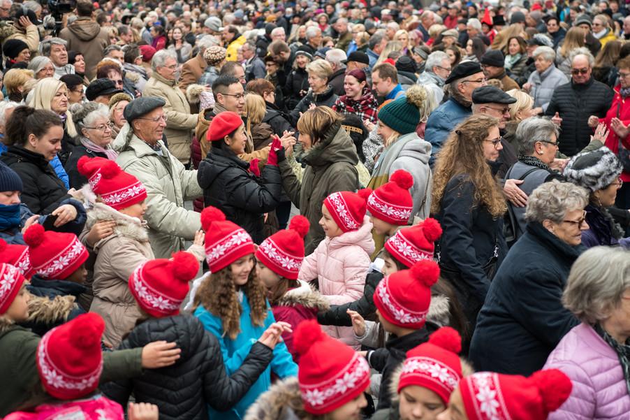 Bild 29   Faschingsbeginn mit den Wiener Tanzschulen: Stephansplatz wird zum größten Open-Air-Tanzsaal ...